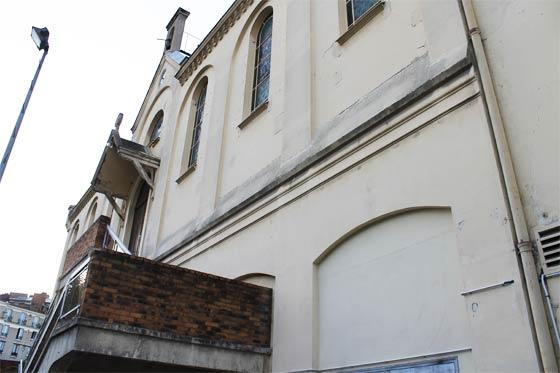 Façade de la chapelle Saint-Pierre de Ménilmontant
