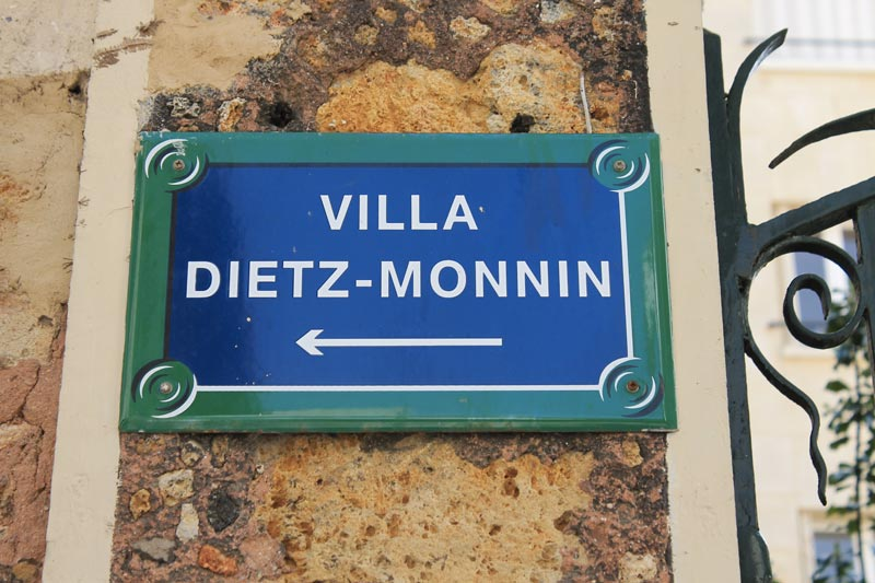 Direction vers la Villa Dietz-Monnin.