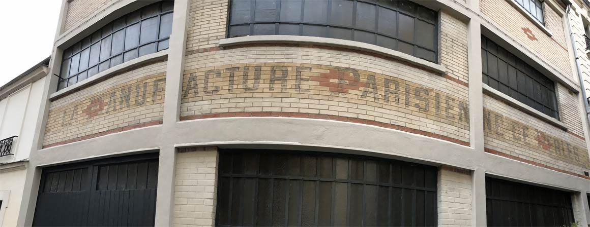 Enseigne au passage des soupirs : manufacture parisienne de perles