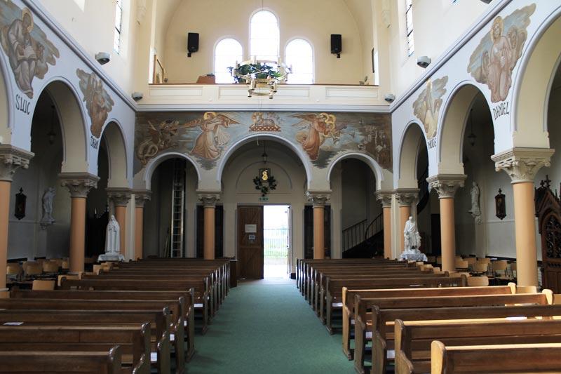 Nef de l'Eglise polonaise.
