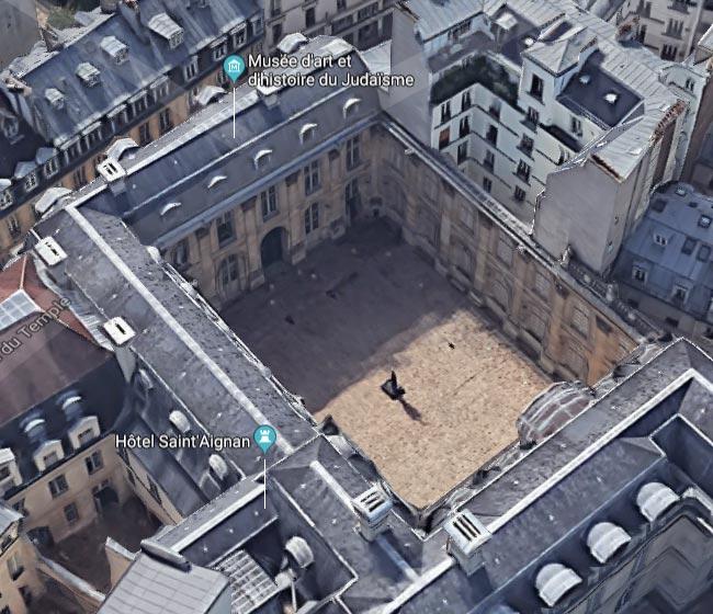 Vue 3d du Musée d'arts et d'Histoire du Judaisme. A droite, le mur-renard suivant le tracé de l'enceinte de Philippe Auguste.